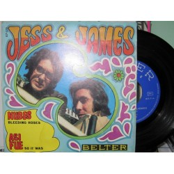 Jess & James - Nubes Bleeding Roses.