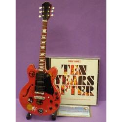 Guitarra Pink Floyd - Dark Side of the Moon 2 (tributo a la banda). Serigrafiada.